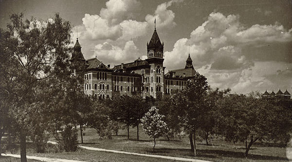 Old Main at the University of Texas in 1903